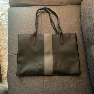 Vince Camuto • black tote with grey stripe